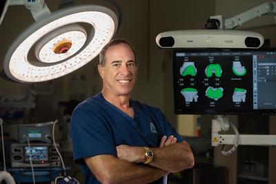 Dr. Michael Leighton