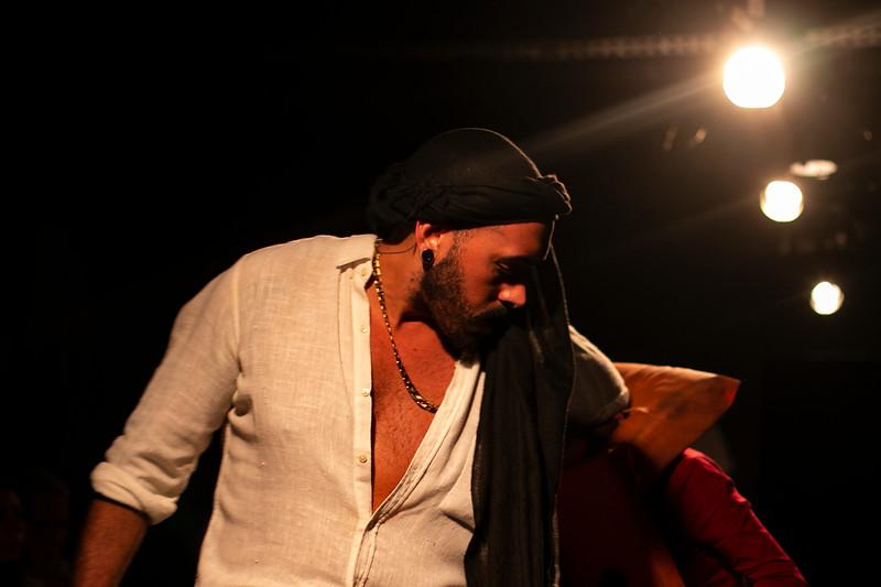 Allan Bravos - Fotografia de Teatro - Indac - Migraaaantes-150.jpg