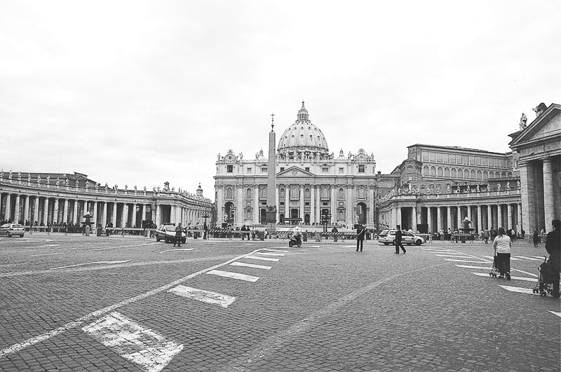 Friday_Popeworld_St_Peter_s_Basilica