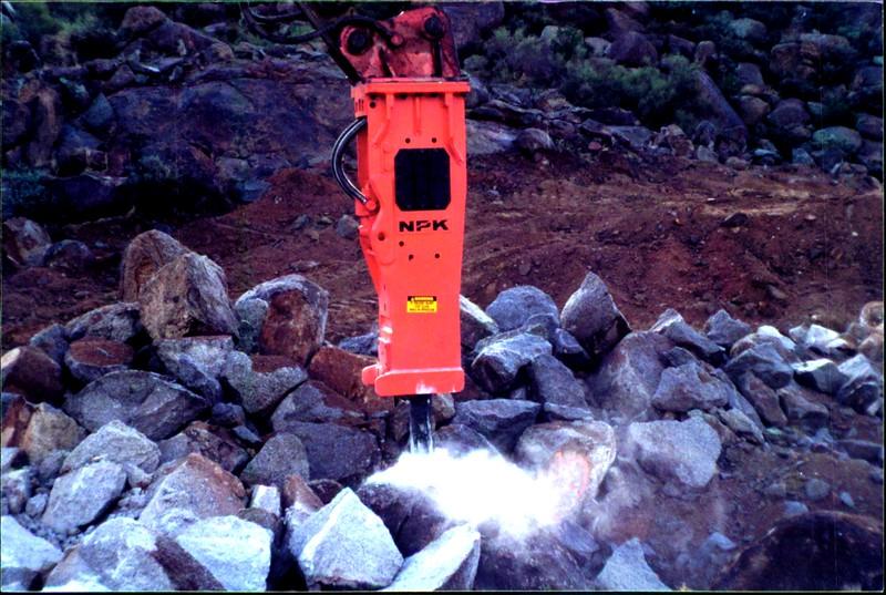 NPK E260A hydraulic hammer on Cat excavator 12-10-99 (4).JPG