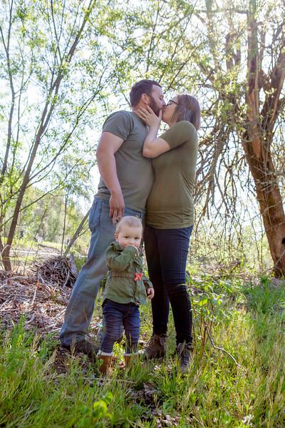 Alysa Larry and Aubrey family photos