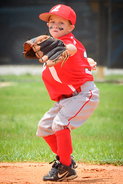 Chase throwing ball_DSC_4128-2.jpg