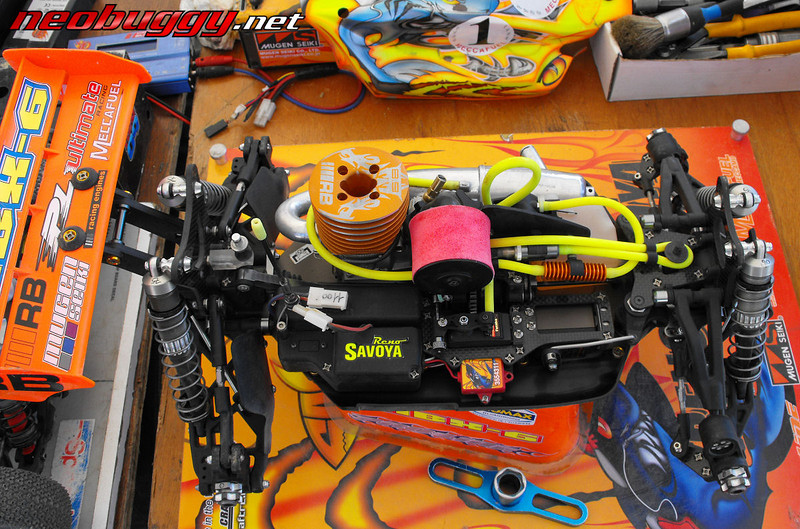 Note Laydown steering servo, and usual superlight screws. Rd 4 French Nationals