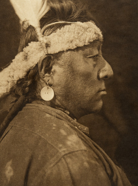 """Astanihkyi - """"Come-singing"""" - Blood (The North American Indian, v. XVIII. Norwood, MA, The Plimpton Press,  1928)"""