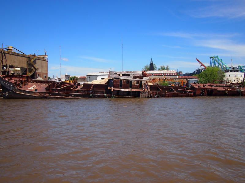 PA204640-sunken-ship.JPG