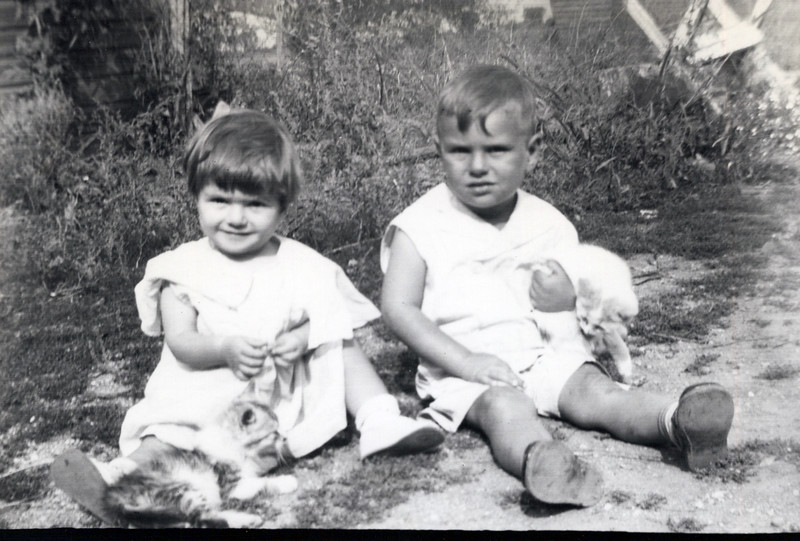 1932 Lula and Lloyd Konyha.jpeg