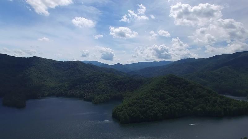 20190624 Lake Santeetlah Drone Video 004.MP4