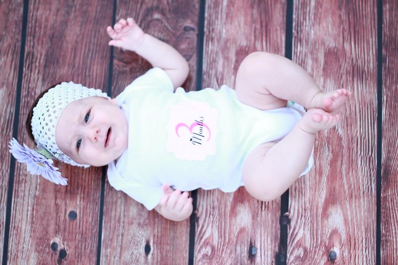 Evie-3 months (138).JPG
