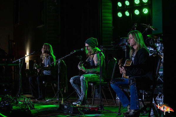 The Talismen acoustic set