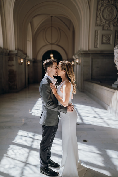 2018-10-04_ROEDER_EdMeredith_SFcityhall_Wedding_CARD1_0140.jpg