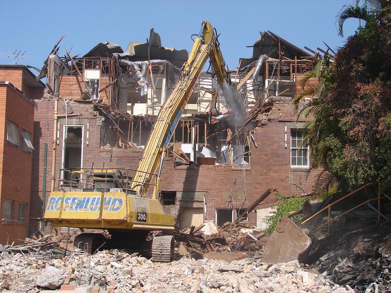 Chaplin Building demolition 019.jpg