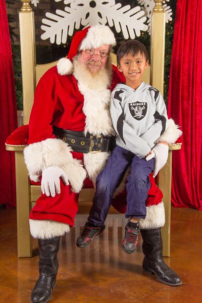 Santa 12-16-17-410.jpg