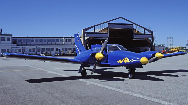 D-GELB-PZL-MielecM-20Mewa-Private-EKSB-2000-05-07-HF-43-KBVPCollection.jpg