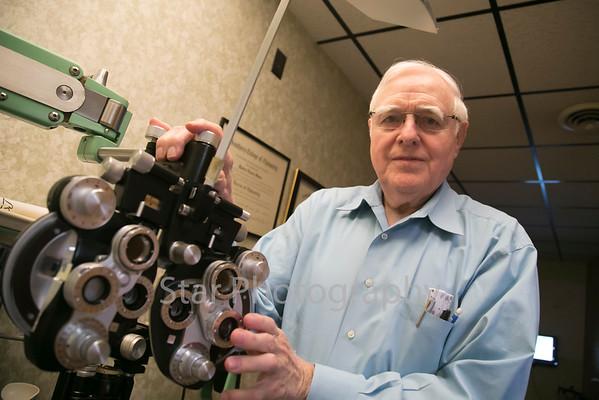 Dr. Robert Sams Retires From Optometry 04-06-15
