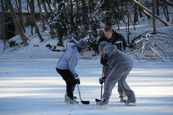 Hockey on Lake Norcentra