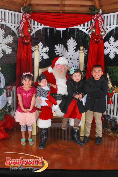Santa 12-10-16-385.jpg