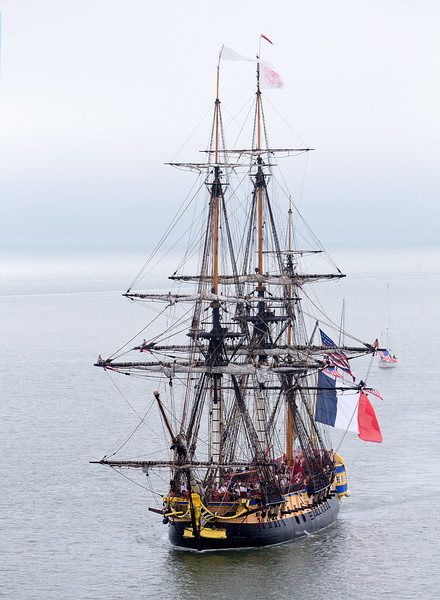 L'Hermione Side View Sailing in.jpg