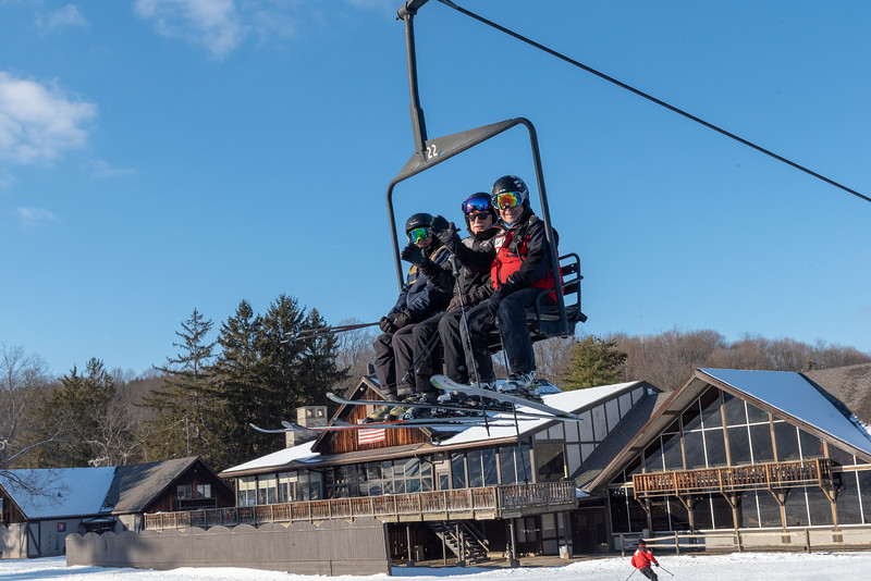 Opening-Day_12-7-18_Snow-Trails-70680.jpg