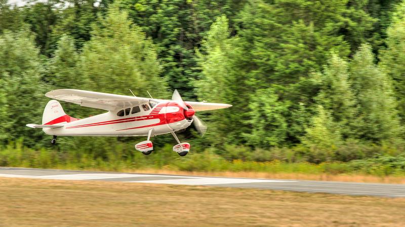 Fly-In-4189_TM.jpg