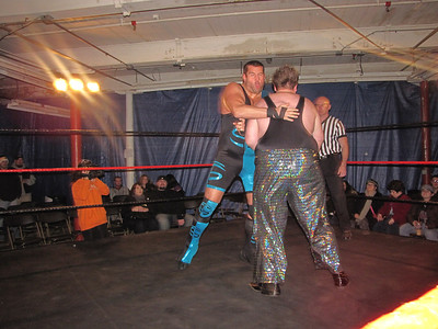 Full Spectrum Wrestling Shootn From The Hip January 4, 2012
