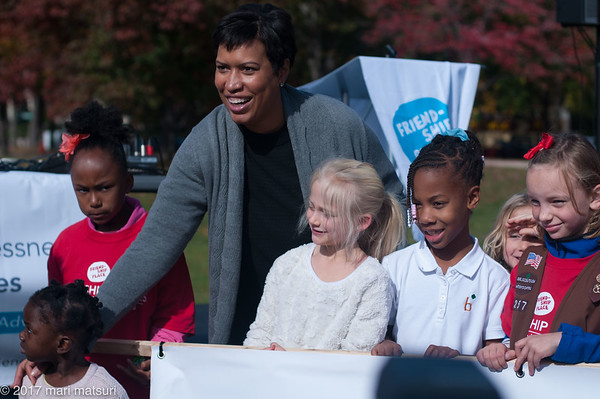 Friendship Walks in DC on Nov. 4, 2017 with  DC Mayor Muriel Bowser
