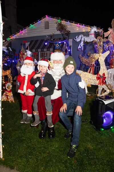 12-08-19-Christmas With Chris & Family-60.jpg
