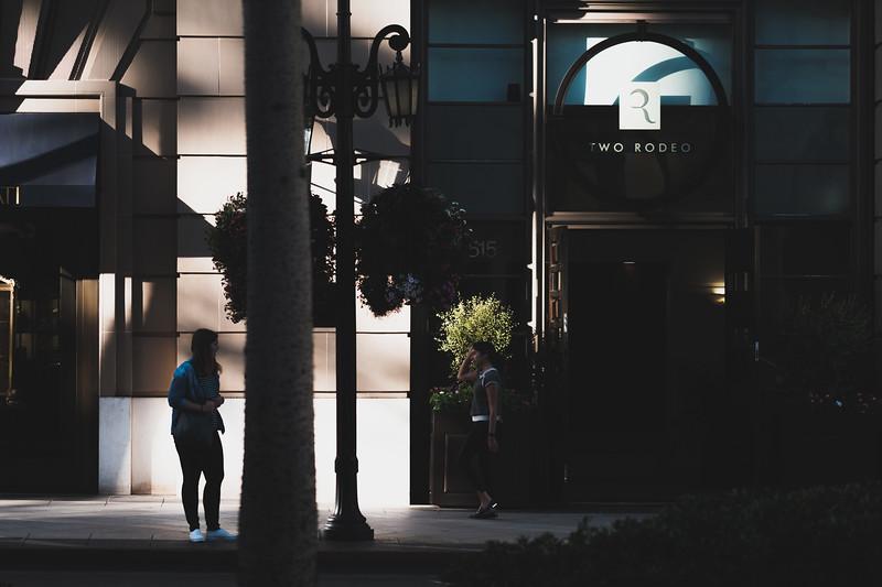 AlikGriffin_XT2_90mm_BeverlyHills_Street_Dos-3.jpg