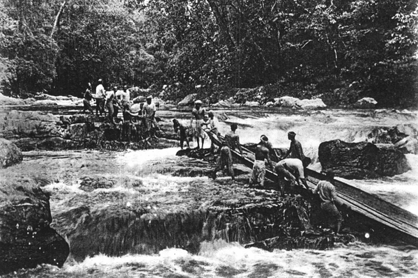 Gunung Tahan Sungai Tahan Expedition boat Robinson 1905