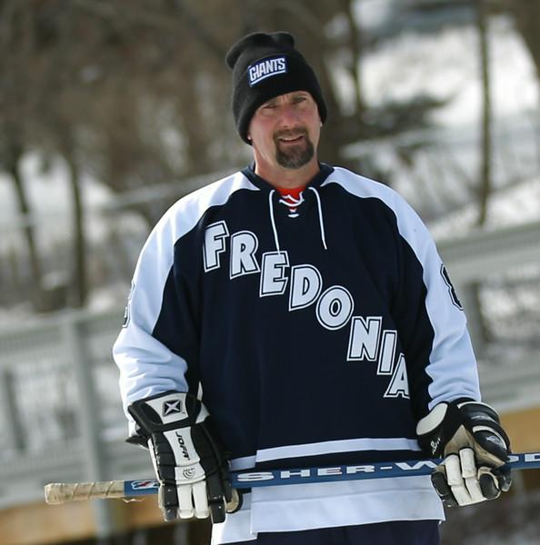 20140208_EMCphotography_PondHockeyCongersLakeNY-4.jpg