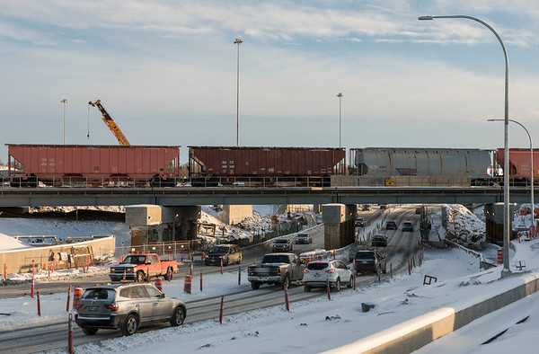 DAVID LIPNOWSKI / WINNIPEG FREE PRESS  A train travels over the Jubilee overpass Thursday December 27, 2018.