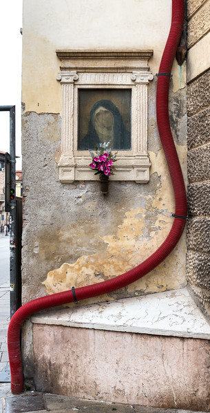 Urban Glimpse - Vicenza, Italy - May 1, 2015