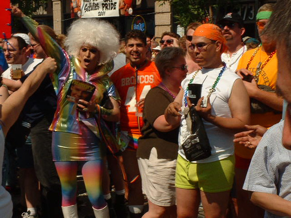Pride Parade 2001-60-1.jpg