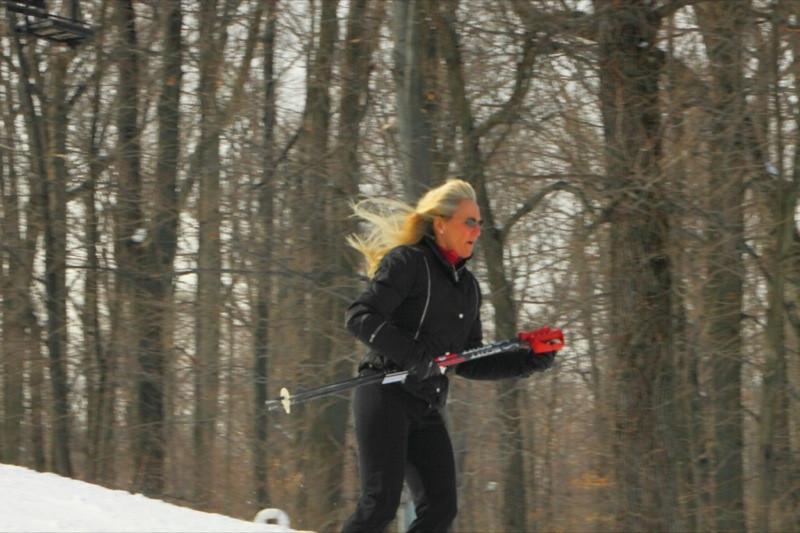 Snow_Trails_2010_J26.jpg