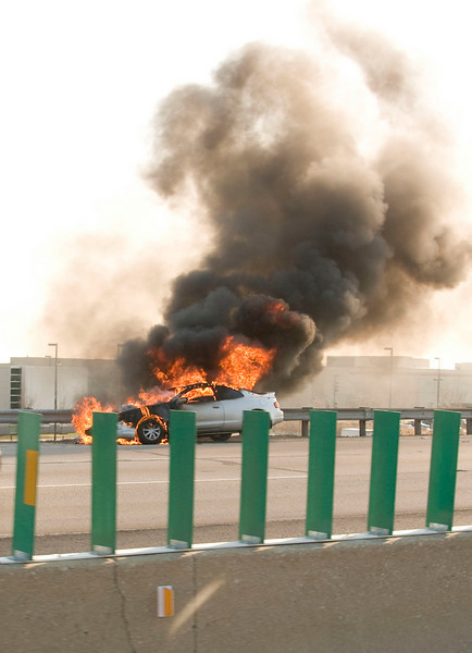 Des Plaines - April 16, 2009 - Car engulfed in flames on EB I-90