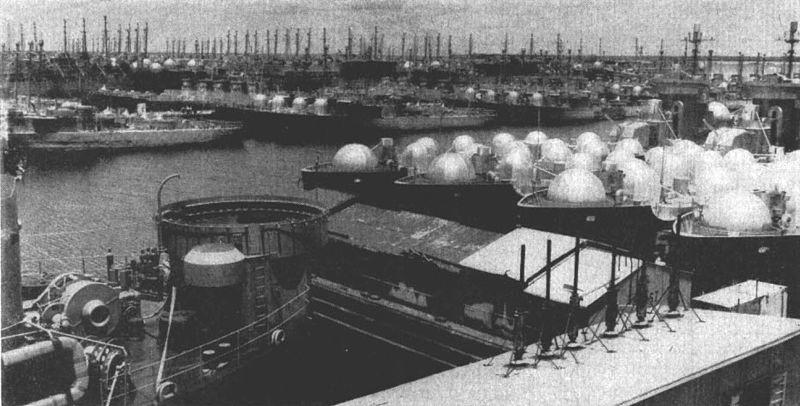 US_Navy_Reserve_Fleet_at_Green_Cove_Springs_c1951.jpg