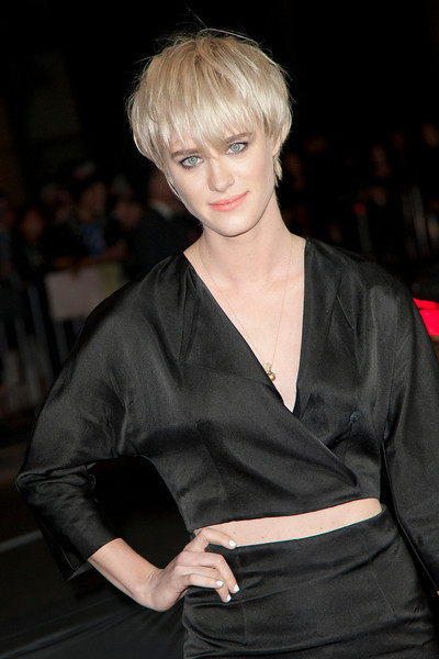 LOS ANGELES, CA - JANUARY 27: Actress Mackenzie Davis arrives at the premiere of Focus Features' 'That Awkward Moment' at Regal Cinemas L.A. Live on January 27, 2014 in Los Angeles, California. (Photo by Tom Sorensen/Moovieboy Pictures)