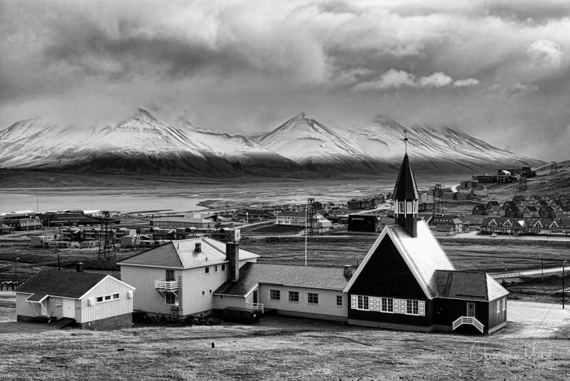 8-28-16169380 Longydearbyen Svalbard.jpg