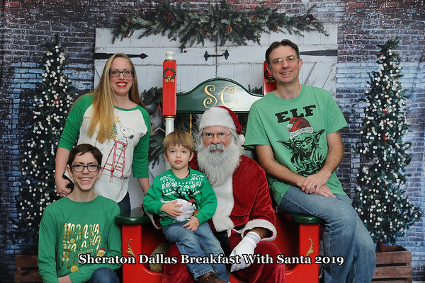 Sheraton Dallas Santa Photos 2019
