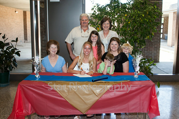 Abbi Pierce signing with King 05-08-14