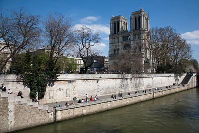 Paris, Saturday Afternoon: Notre Dame and Le Marais