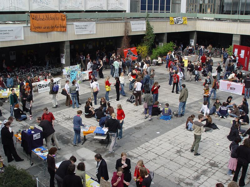 2005-04-14_04599 Campusmesse