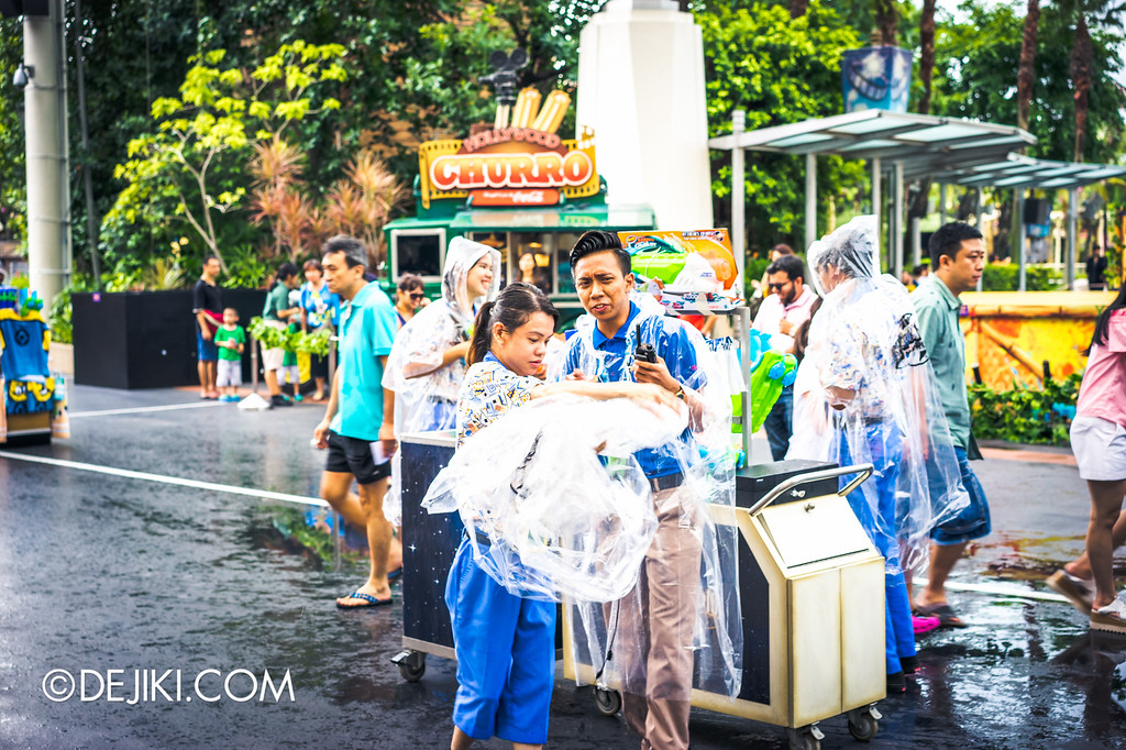 Universal Studios Singapore - Park Update May 2016 / Universal Studios Singapore Soak Out Water Party - Crew getting ready