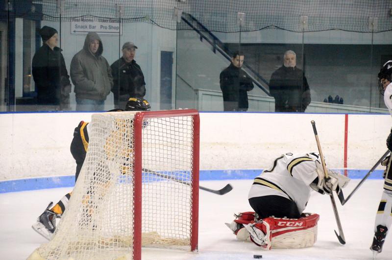 150103 Jr. Bruins vs. Providence Capitals-045.JPG