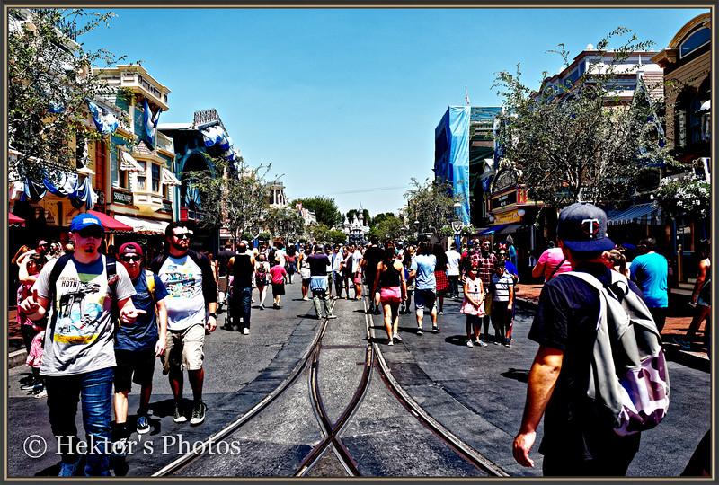 Disneyland Leica Q-5.jpg