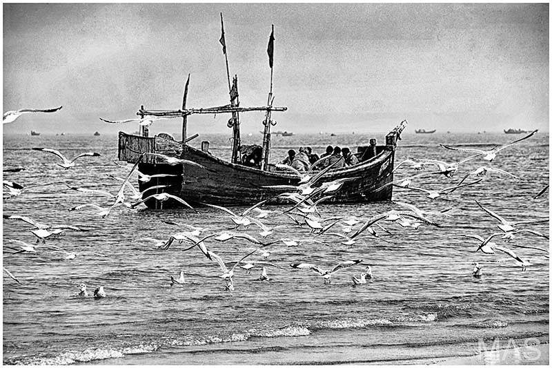 Fishermen bw web.jpg