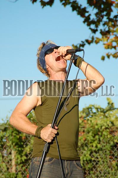"""Never Never"" @ Renegade Classics Open House - October 27th - Nikon D50 - Clint Winebrenner"