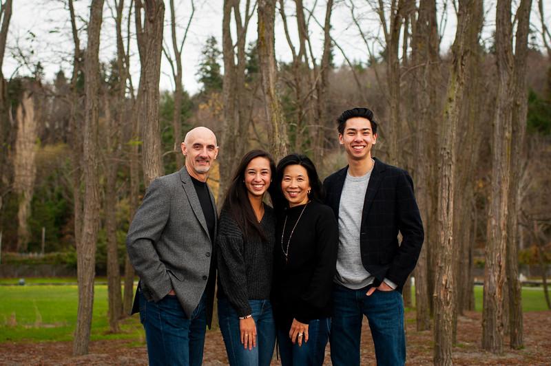 2018-1125 Reasoner Family Portraits - GMD1010.jpg
