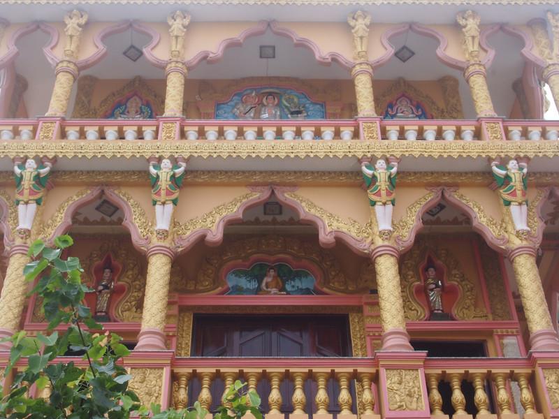 PA274853-munirensay-pagoda-front.JPG