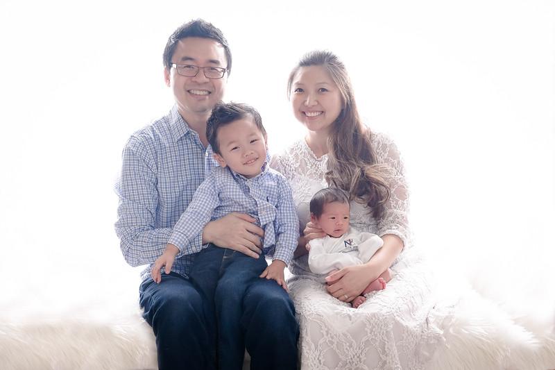 2017_12_10 Kim Family-0703-Edit.jpg