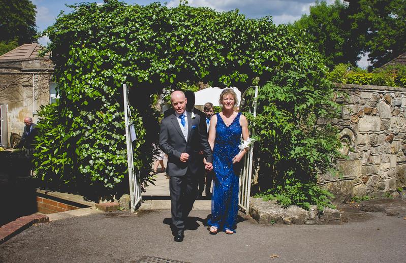 Mr and Mrs -192.jpg